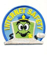 Girl Boy Cub INTERNET SAFETY Computer Fun Patches Crest Badges SCOUT GUIDE blue