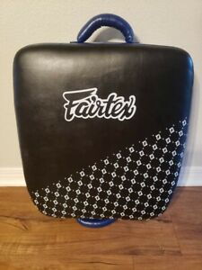 FAIRTEX LEG KICKING SHIELD PADS LKP1 BLACK BLUE MUAY THAI TRAINING KICK  MMA K1