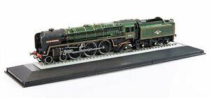 Corgi Rail Legends 1:120 ST97702 BR 4-6-2 Britannia Class Oliver Cromwell 70013