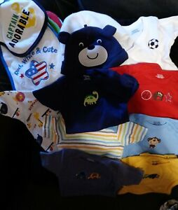 New Born Baby Boy, Onesies,Hats ,Bibs , Clothes. 25pc lot