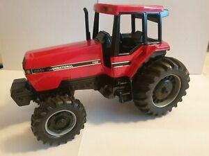 Ertl Case IH 7130 MFD-Magnum Tractor 1990 Strasbourg Trade Fair 1:16 Scale