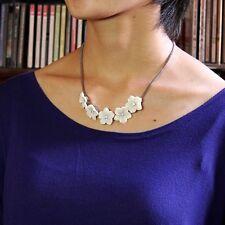 Collar Mini Flor Blanco Cristal Retro Plateado Original Noche Matrimonio QT 8