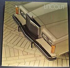 1982 Lincoln Town Car Brochure Signature Series, Cartier Excellent Original 82