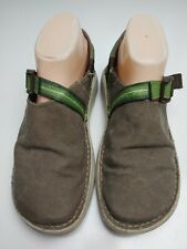 Chaco Pedshed Women's Brown & Green Slip On Walking Shoes Size 9