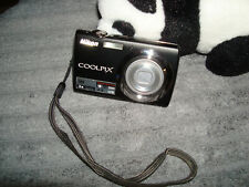 Nikon COOLPIX S220 10.0MP Digital Camera - Black