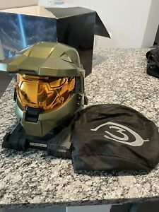 HALO 3 LEGENDARY EDITION HELMET W/ COVER, BOX, HALO 2,3 & ODST STRATEGY GUIDES