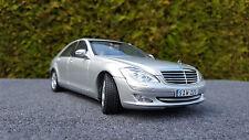 Mercedes Benz S Klasse von Autoart in 1:18