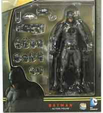 MAFEX BATMAN V SUPERMAN DAWN OF JUSTICE BATMAN ACTION FIGURE #17 MEDICOM