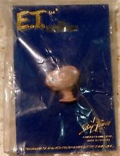 E.T. The Extra-Terrestrial Lapel Pin by AVIVA Star Power Exclusive New 1982