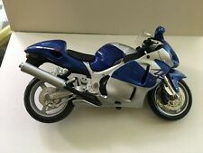 Maisto Suzuki GSX 1300R Motorcycle Model