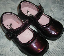 Footmates Raspberry Patent Leather Courtney Dress Shoes  6 M  Euro 22  S#70118