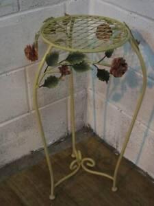 METAL GARDEN CONSERVATORY PLANT STAND / SIDE TABLE, ROSE DESIGN