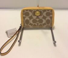 NWT COACH Poppy Signature C EW Wristlet Clutch Khaki Sunflower Yellow 61810 New
