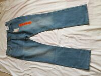 "MENS BNWT DENIM&CO FADED LIGHT BLUE STRAIGHT LEG JEANS SIZE 36"" WAIST 32"" LEG"