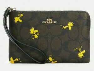 NWT Coach C4588 Corner Zip Wristlet Signature X Peanuts Woodstock Wallet Purse