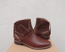 UGG LARS STUDDED MID BROWN LEATHER CHELSEA ANKLE BOOTS, WOMEN US 7/ EUR 38 ~NIB
