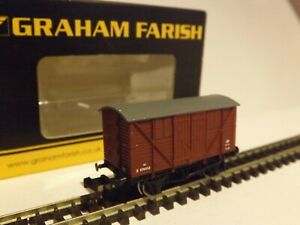 GRAHAM FARISH 373-742..A 10t MEAT WAGON  B.R. BAUXITE (LATE) + A GWR GUARDS VAN