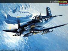 Academy 1/48 Vought F4U-4B Corsair Modelo Kit