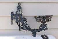 Antique Unmarked Swinging Oil Lamp Wall Bracket Cast Iron Wall Sconce
