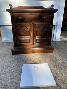 Ethan Allen Antiqued Pine Nightstand Night Table Old Tavern #12-5026 212 (B)