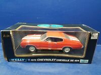 1/18 SCALE 1970 CHEVY CHEVELLE SS454 IN REDWHITE STRIPE BY WELLY