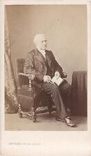 Photo cdv : Levitsky ; Homme de la bourgeoisie Parisienne assis  , vers 1865