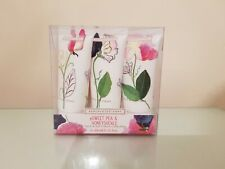 BN Heathcote & Ivory Sweet Pea & Honeysuckle Hand & Nail Cream Gift Set 3 x 30ml