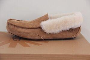 Ugg Australia Men`s Grantt slipper  Size 7 NIB