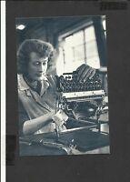 Nostalgia Postcard Women  British Olivetti Assembling Typewriters-Glasgow 1955