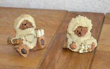 Paire de figurines de Noël (ours avec bonnet, écharpe, cadeaux)