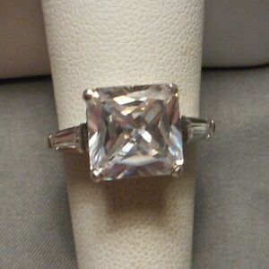 Ladies' Sterling Silver Engagement Ring 5 ct Princess CZ w side stones Size 7.5