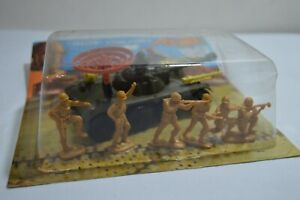 Rare VINTAGE Alni Tank with Radar and Plastic Soldiers New ARGENTINA