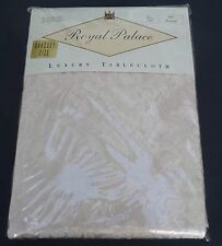 New Wilton Court ROYAL PALACE DAMASK Round Champagne Banquet Tablecloth 90""