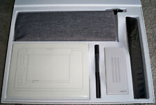 Wacom Intuos Pro Paper Edition ink pen drawing attachment kit
