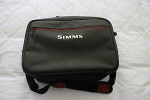 Simms Reel Case, Capacity 6-8 Reels, VGC