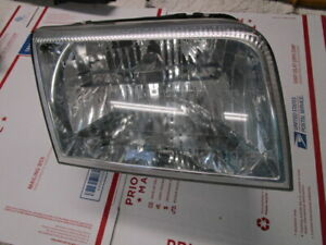 2006 2011 Mercury Grand Marquis RIGHT SIDE Head LIGHT # 6W3X13100-A