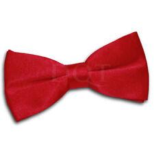 Corbatas, pajaritas y pañuelos de hombre roja del satén