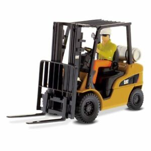 1:25 CAT P5000 Forklift by Diecast Masters in Yellow DM85223