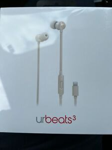 New Factory Sealed urBeats3 Earphones w/Lightning Connector