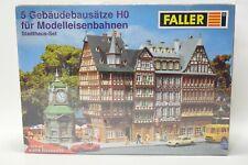 Faller 180670 Modelleisenbahn H0 Bausatz 5 Gebäudebausätze Stadthaus-Set