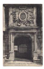 st-germain-en-layes  porte d'entrée du chateau