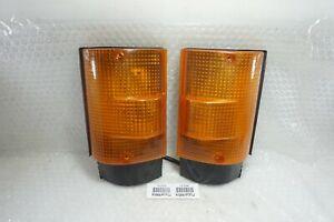 Free Shipping Pair MITSUBISHI FUSO CANTER FE444 FE 444 FRONT INDICATOR LAMP RL