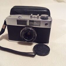 RICOH CADDY HALF FRAME CAMERA WITH CASE