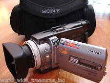 Sony DCR-TRV950 3CCD MiniDV Camcorder USB AV AC Firewire Cables Bag Streaming