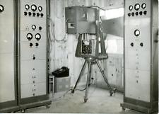 Invention française : le câble hertzien sur micro-ondes Vintage silver print