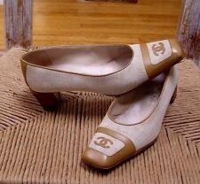Chanel Tan Leather Oatmeal Canvas CC Logo Pumps Size 38 / 7.5