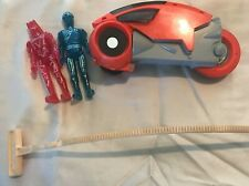 Vintage 1981 Tomy Tron Red Light Cycle And Two Figurines (Red And Blue)