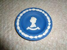 Wedgwood dark blue jasperware souvenir Queen Elizabeth Ii silver jubille small d