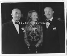 BETTE DAVIS Vintage WARNER BROTHER Original Photo HARRY and JACK Candid RARE