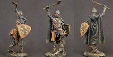 Tin toy soldiers ELITE painted 54 mm  Medieval knight with an ax.